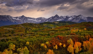 Mountains in Autumn Pictures