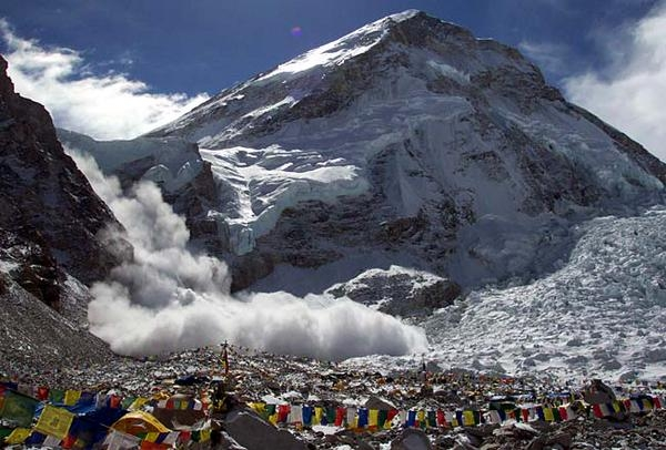 Nepal earthquake triggers deadly avalanche